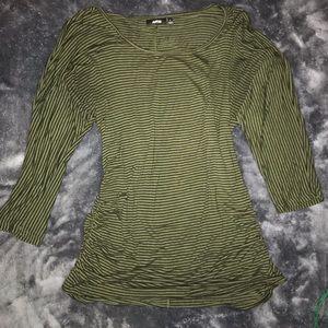 Apt9 stripped 3/4 sleeve shirt